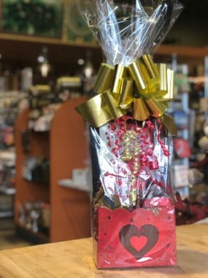 Valentine Basket Medium
